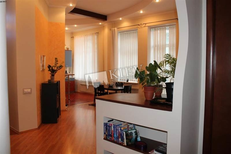 st. Mihaylovskaya 19 Long Term Apartment in Kiev 3569
