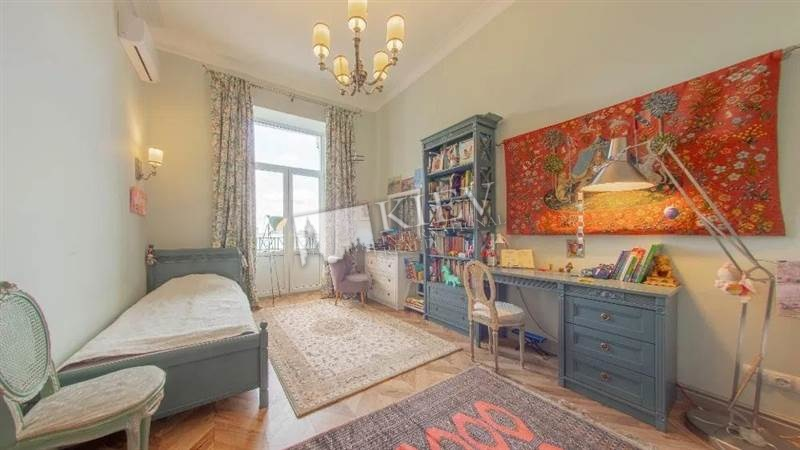 Two-bedroom Apartment st. Tarasovskaya 18051
