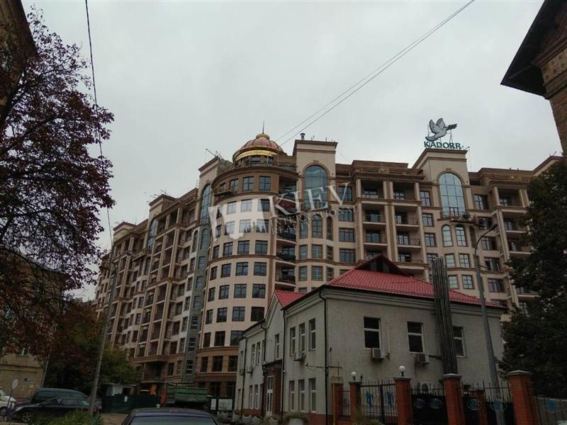Druzhby Narodiv Office for sale in Kiev