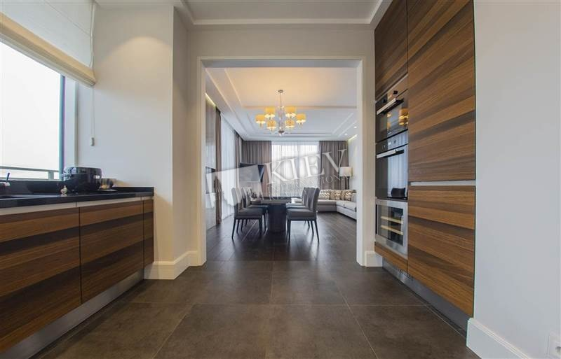 Universytet Kiev Apartment for Rent