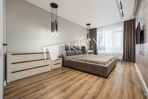 st. Sapernoe Pole 3 Residential Complex Bulvar Fontanov, Walk-in Closets Two Walk-in Closets
