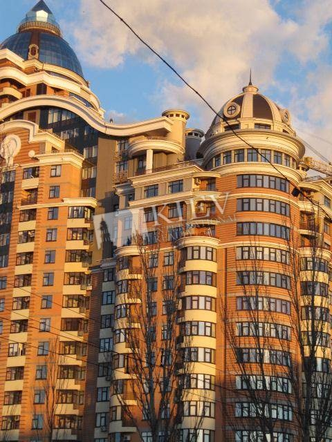 Klovs'ka Kiev Apartment for Sale