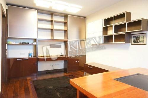 st. Panasa Mirnogo 28A Interior Condition 1-2 Years Old, Living Room Flatscreen TV, Fold-out Sofa Set