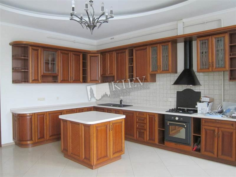 st. Mihaylovskaya 22a Kiev Long Term Apartment 1584