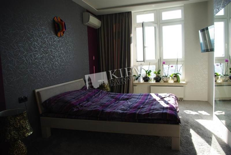 st. Panasa Mirnogo 28A Apartment for Rent in Kiev 295