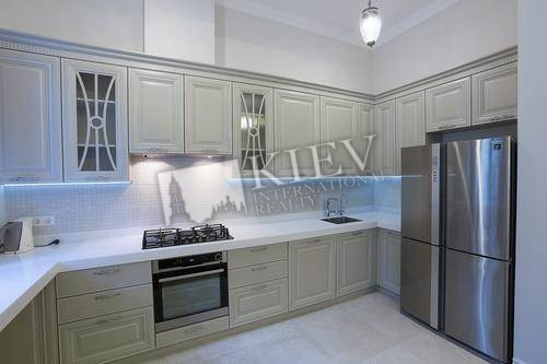 Four-bedroom Apartment st. Vozdvizhenskaya 38 3891
