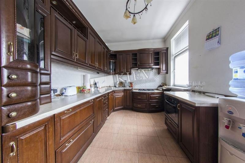 Zoloti Vorota Apartment for Rent in Kiev