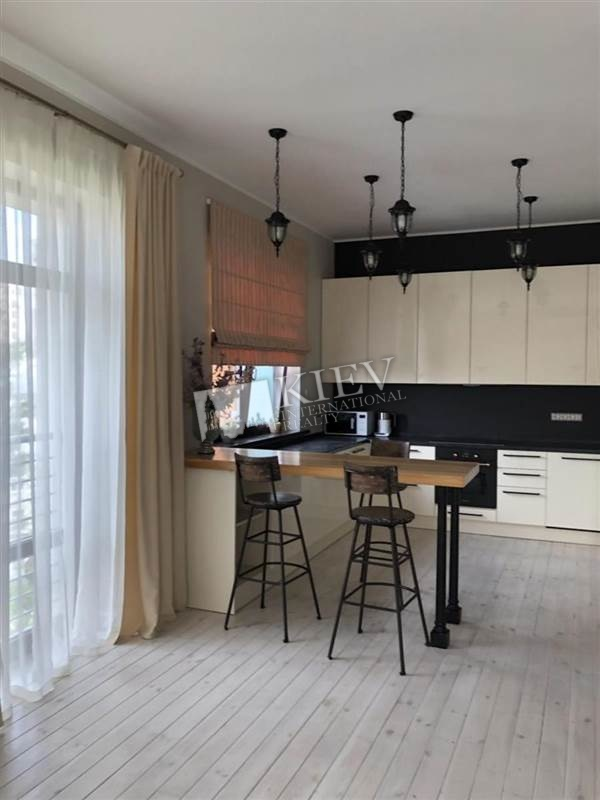 st. Kreschatik 27B Kiev Apartment for Rent 3214