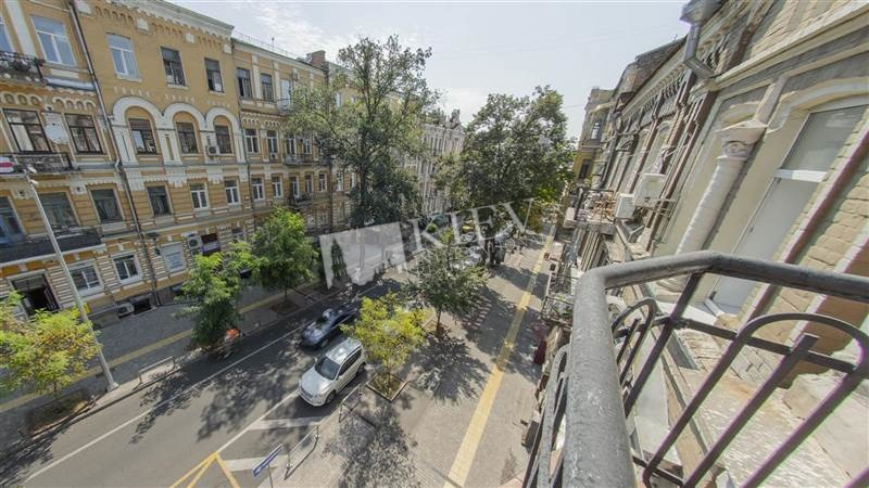 st. Pushkinskaya 8A Kiev Apartments 4076