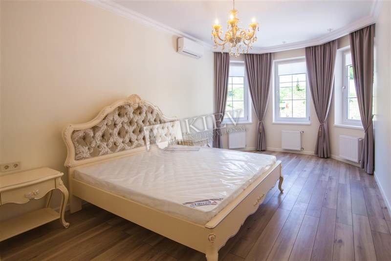 st. Dokuchaevskiy pereulok 8 House for Rent in Kiev 7576