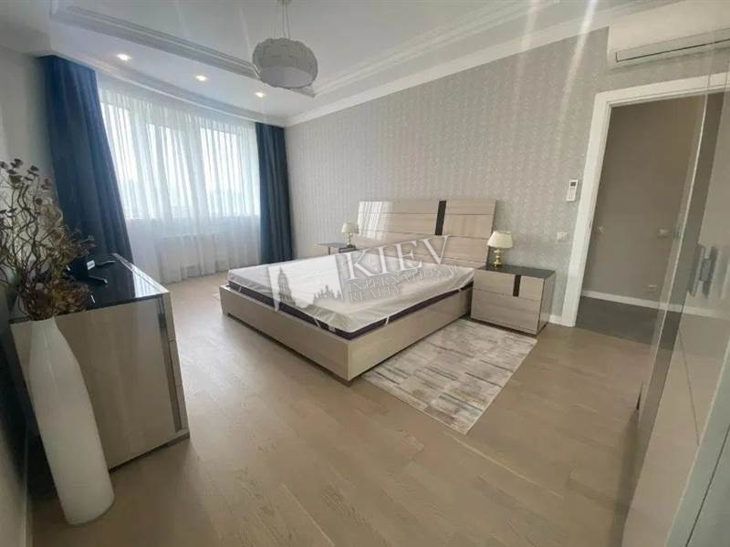 Three-bedroom Apartment st. Bulvar Shevchenko 27B 8742