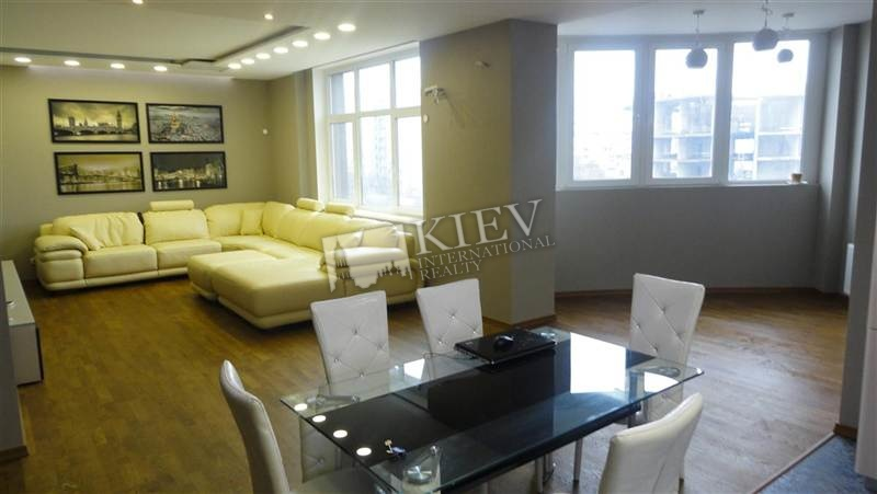 st. Glubochitskaya 32A Kitchen Electric Oventop, Living Room Flatscreen TV, L-Shaped Couch