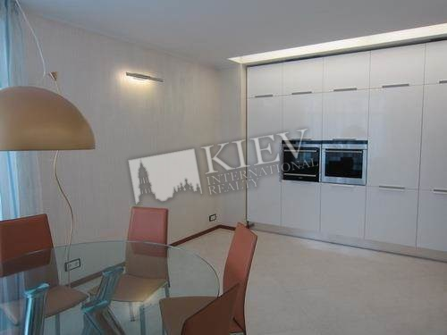 Two-bedroom Apartment st. Klovskiy spusk 5 3751