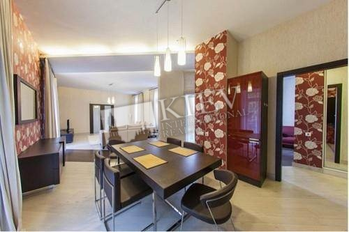 st. Krasnoarmeyskaya, 18 Master Bedroom 1 Double Bed, Balcony 1 Balcony