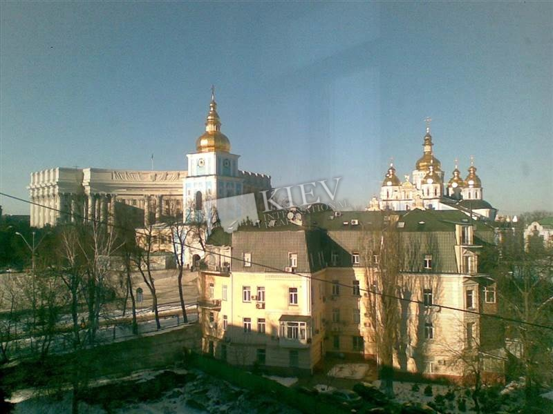 Four-bedroom Apartment st. Mihaylovskaya 22a 1584